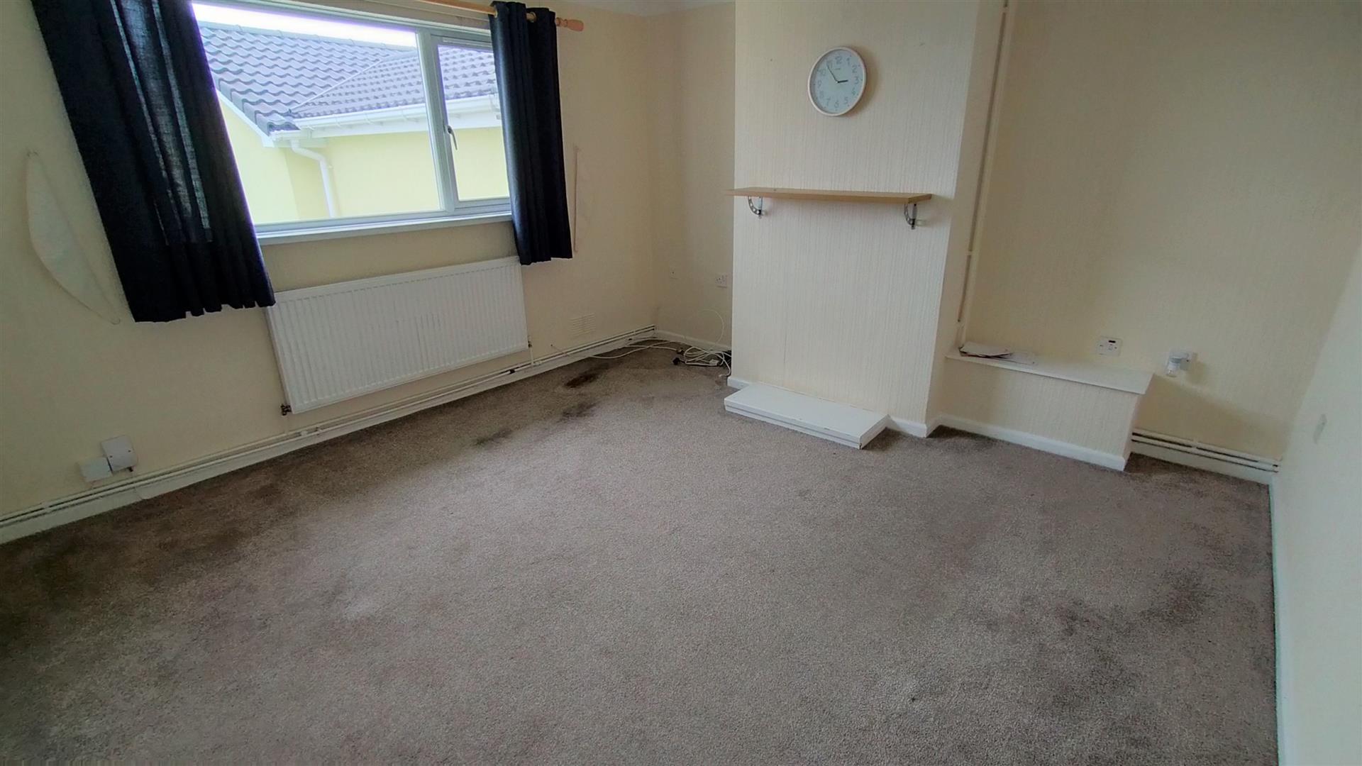Kenilworth Place, West Cross, Swansea, SA3 5LL